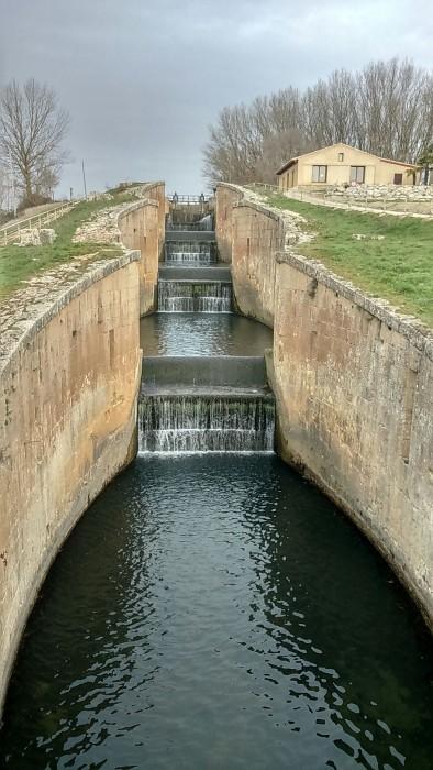 Fotografía: Raquel Camargo, obra maestra. Canal de Castilla, esclusa de Frómista en Palencia utilizada por Palencia Diferente.