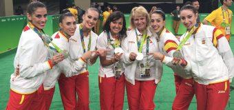 Sara Bayón lidera a su equipo hacia la victoria